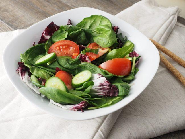 salade aux deux tomates pour accompagner le barbecue